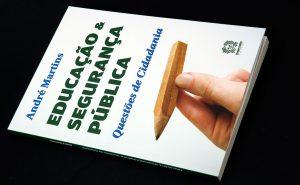 Editora Nicanor Coelho